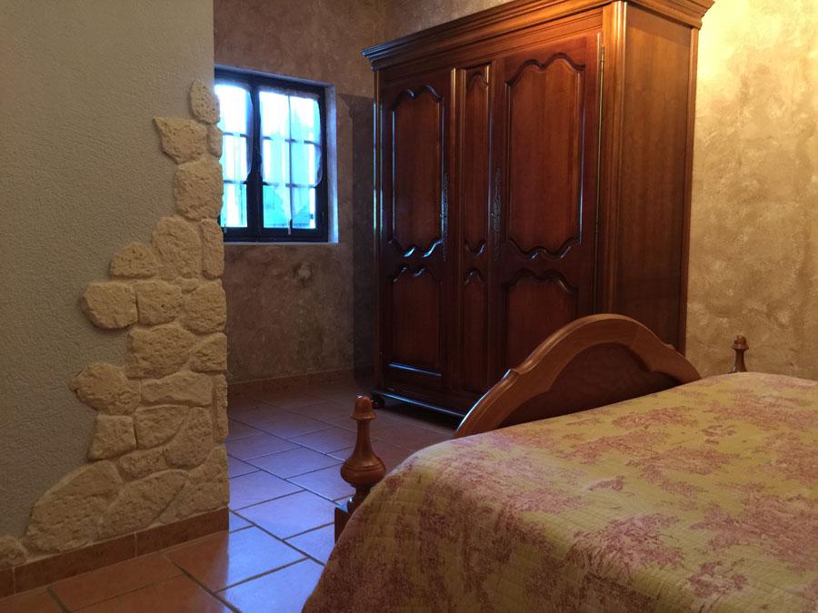 chambres d 39 h tes avec piscine lac de sainte croix. Black Bedroom Furniture Sets. Home Design Ideas